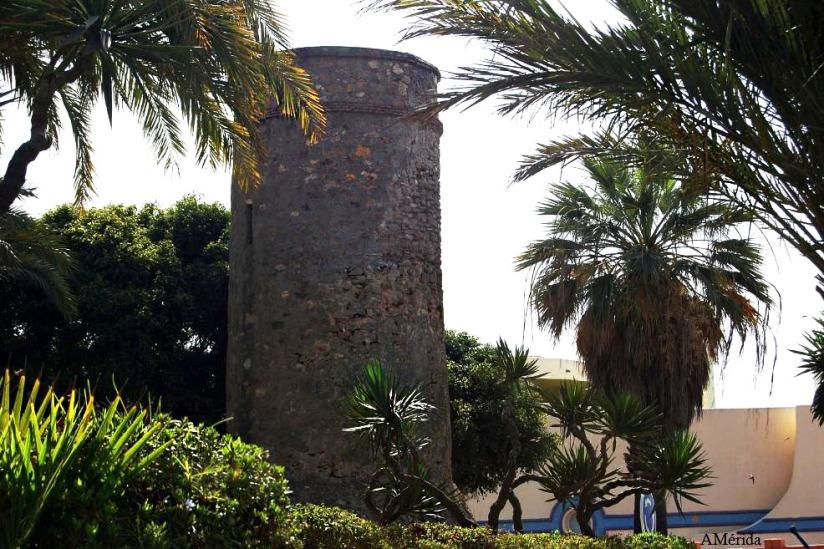 Torre de vigilancia en Puerto Marina, Torre bermeja, Torrebermeja