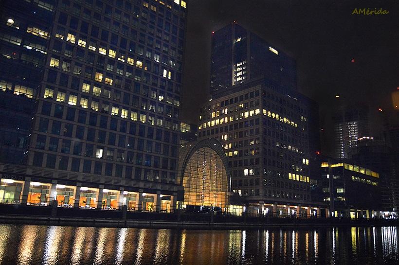 Canary Wharf de noche